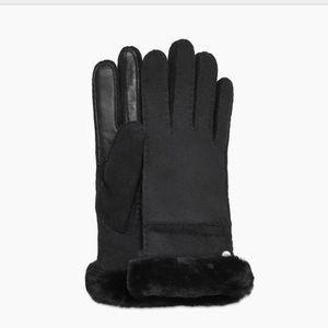 NWT Ugg Seamed tech glove L